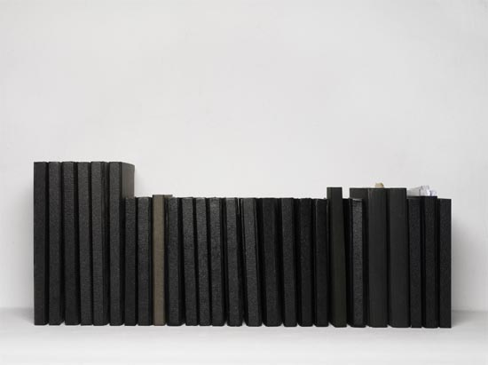 Ignasi Aballí. Libretas negras, 2008. Impresión digital sobre papel fotográfico. 89 x 105 Colección particular