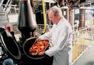 Desmond Payne, Master Distiller DE BEEFeATER